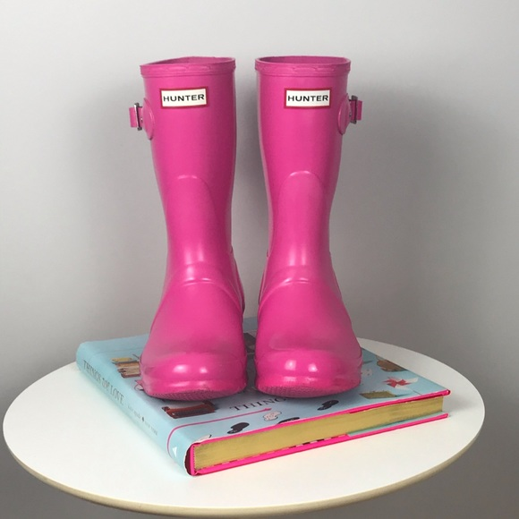 Hunter Gloss Boots in Lipstick